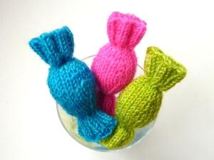 Knitting Patterns For Cat Toys : Daffy Taffy Twists PDXKnitterati
