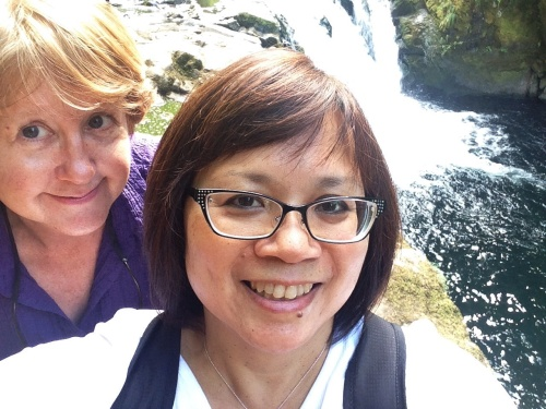 Lower Punchbowl Falls photobomb