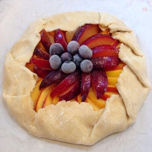 pdxknitterati stone fruit galette