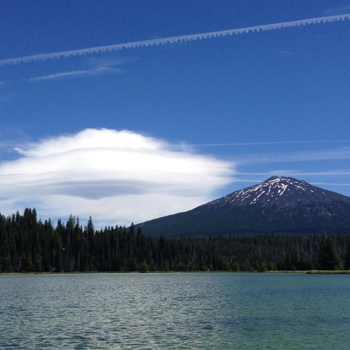 Bachelor and lenticular cloud