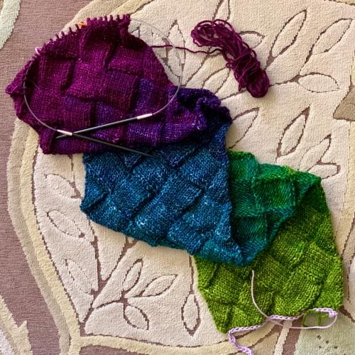 Minerva entrelac knitting